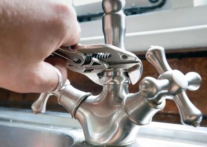 3 signs you need bathroom faucet repair