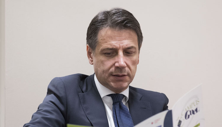 Cosenza Anche Il Premier Giuseppe Conte Ai Funerali Di Jole Santelli