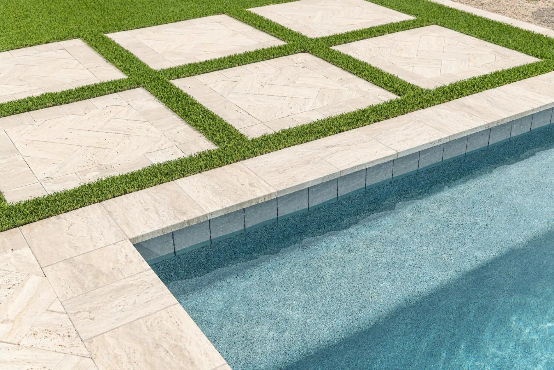 how to choose the best waterline tile