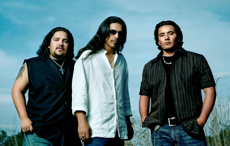 Photo of musicians Los Lonely Boys
