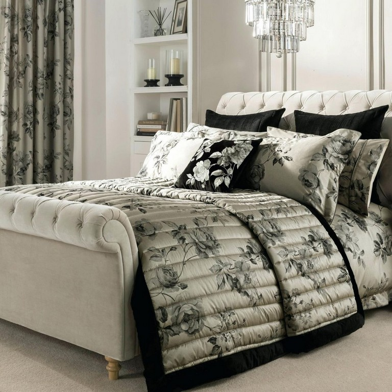 Bedding Sets With Matching Valances