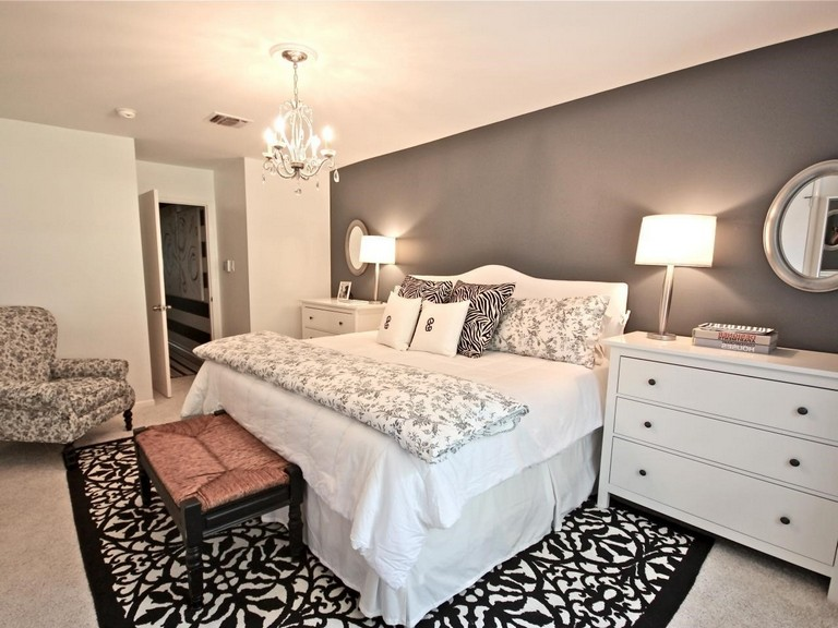 Bedroom Decorating Ideas For A Single Woman