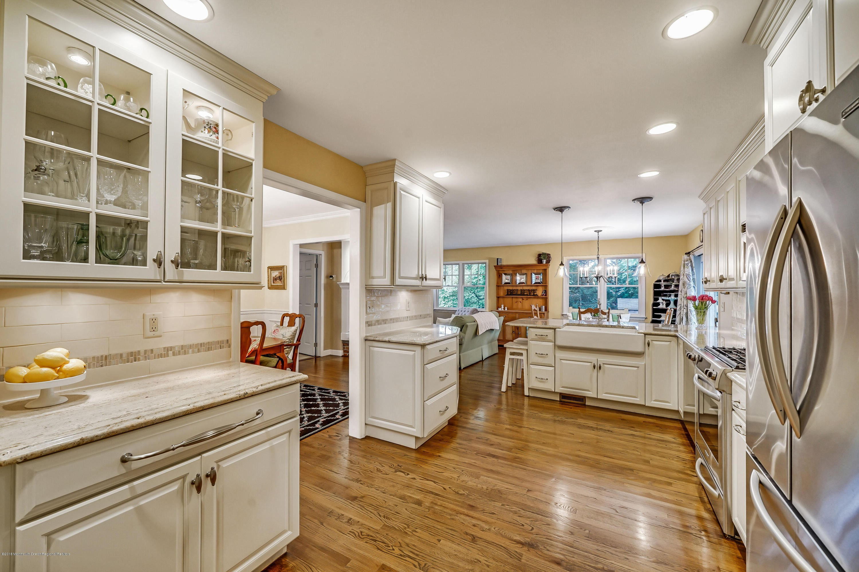 Pictures Of Hardwood Floors In Kitchens