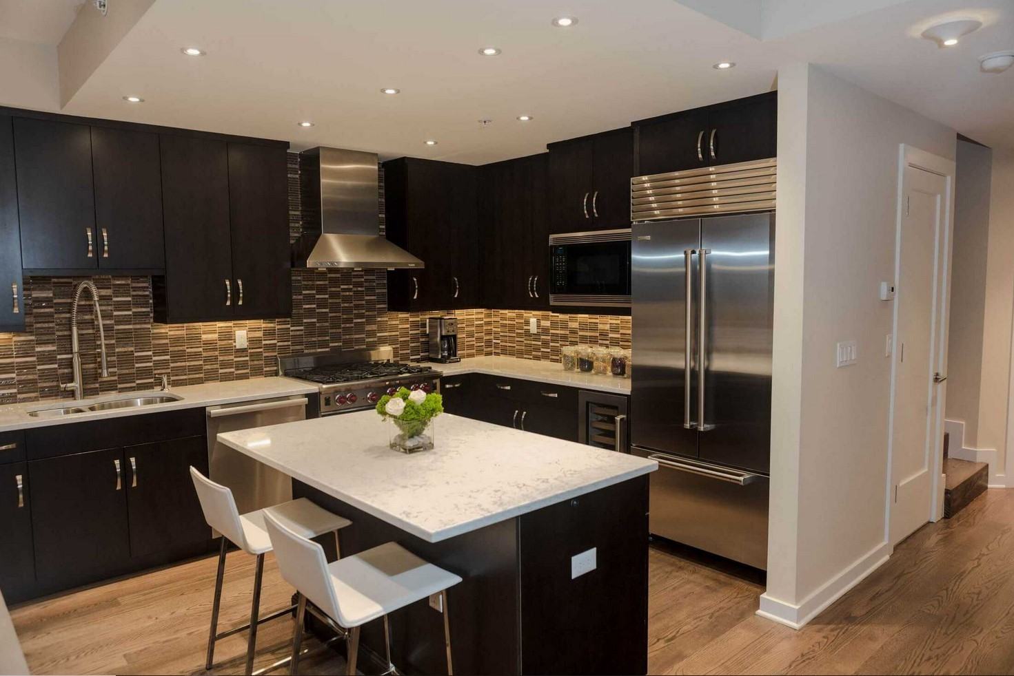 What Color Flooring Go With Dark Kitchen Cabinets