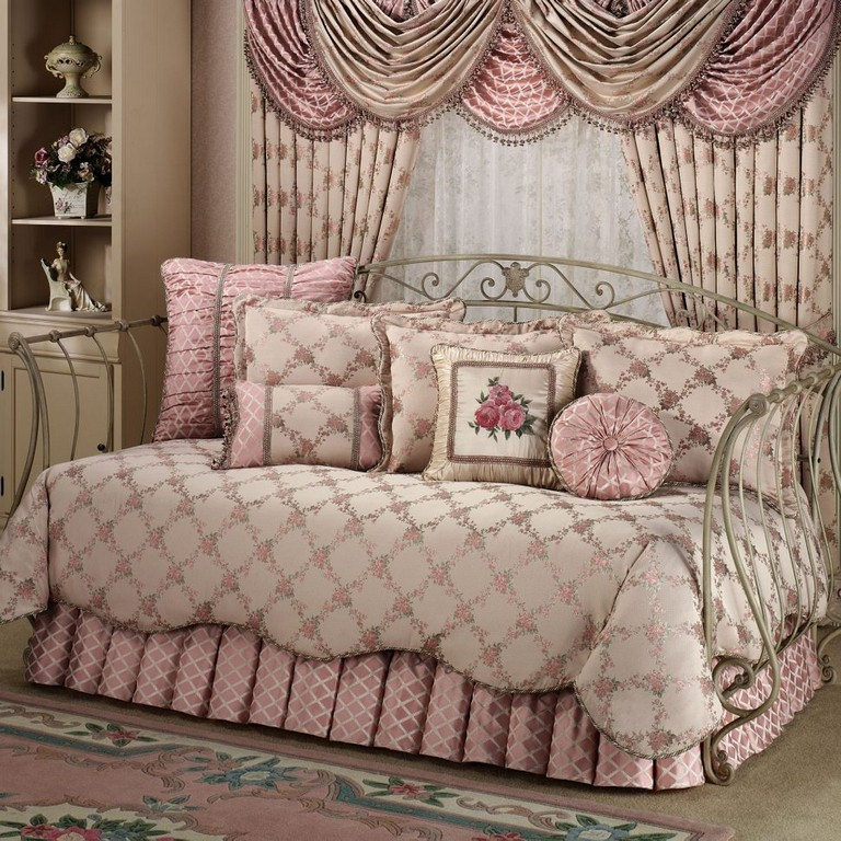 Daybed Bedding Sets For Girls