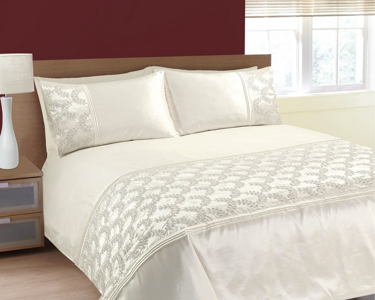 Embroidered Bedding Sets