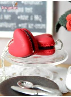cherry-macaroon