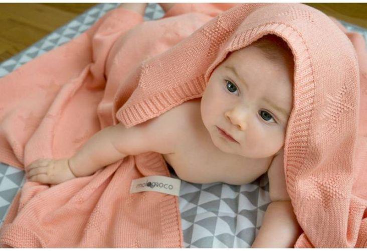 Kocyk niemowlęcy STAR MOLOMOCO Brzoskwiniowy