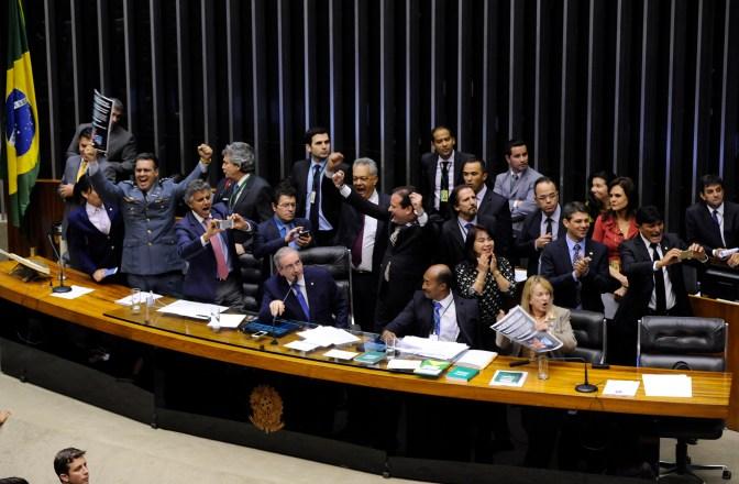 Sessão extraordinária para votação, em 2º turno, da PEC da maioridade penal (PEC 171/93)