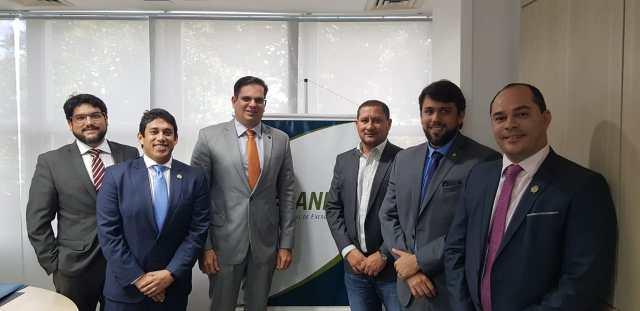 Vereadores e deputado também estiveram na sede da Agência Nacional de Energia Elétrica