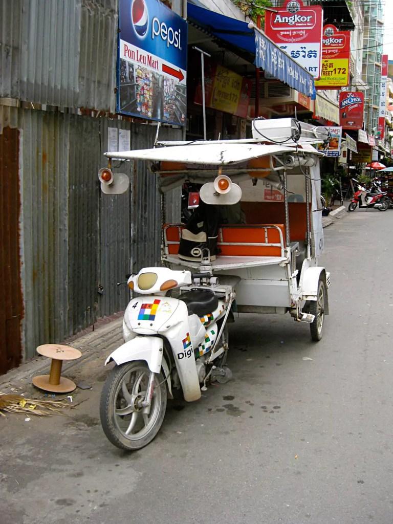 Cambodian Moments DIgi Tuk Tuk