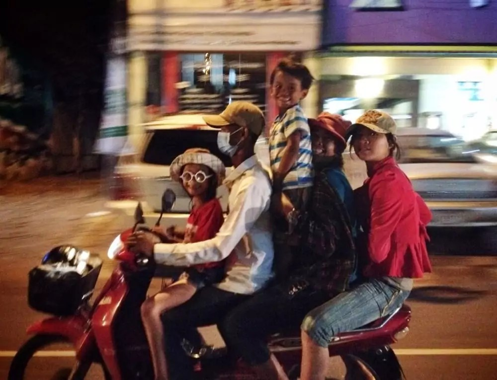 how many can you fit on a moto?