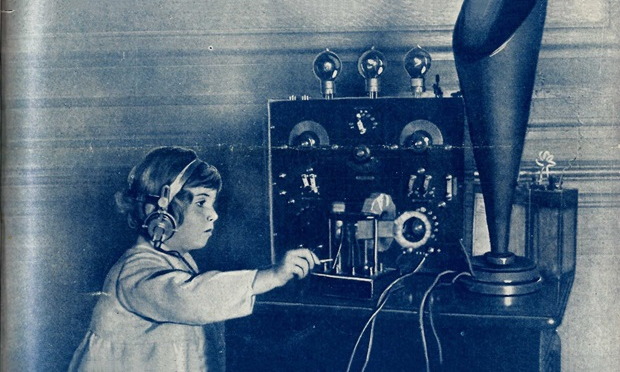 Transmission: this image from a 1922 edition of Popular Wireless shows the kind of fiddling Alfred Taylor would have to do to tune in to his wireless
