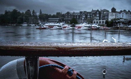 6 ways to keep your camera dry when it's raining