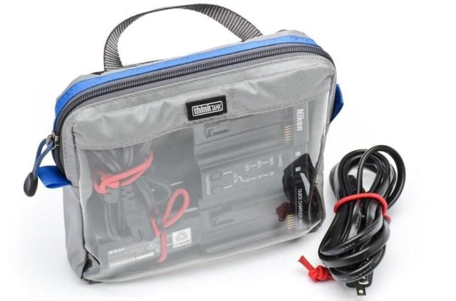 een handig tasje voor kabels en laders - Mijn onmisbare fotografie accessoires