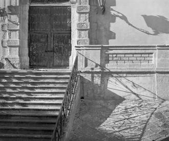 Palazzo, Modica, Sicilia, 2006 - Photograph by Jeff Curto