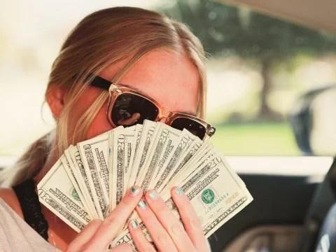 how-much-money-camgirls-make