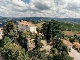 Castello di Perno - Monforte d'Alba