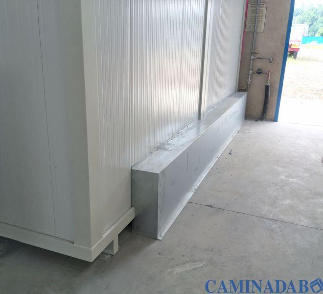 box prefabbricati bagni composti da lavandino e WC in porcellana o turca