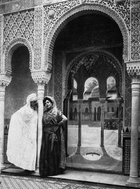 Patio Leones de la Alhambra, Granada, principios S.XX