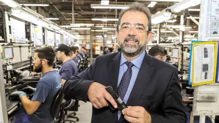 Presidente da Taurus, com sede em São Leopoldo, Salésio Nuhs.