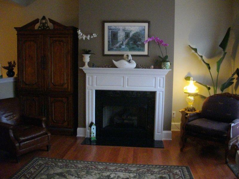 Realizziamo pareti attrezzate moderne in cartongesso per qualsiasi tipo di stanza, in particolare per cucine e soggiorni. Camini A Parete La Giusta Collocazione E Le Soluzioni Moderne Con Le Pareti Attrezzate