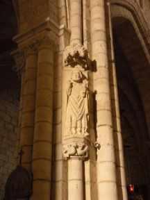 Villal-Cazar-de-Sirga-18-templar-church-09-statue