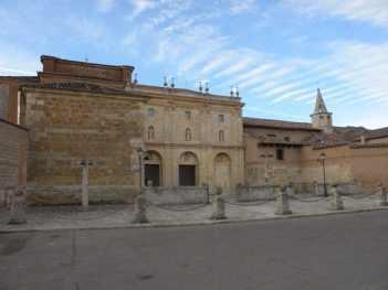 Villal-Cazar-de-Sirga---Los-Templarios-01-Carrion-de-los-Condes-01
