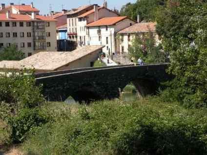 Larrasoana - Cizur Minor 15 Iroz 01 roman bridge