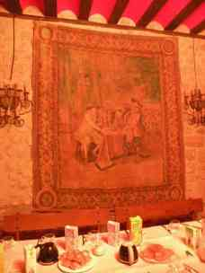 Sote 11 albergue 11 tapestry