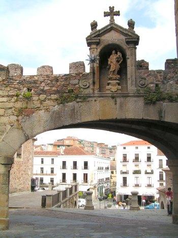 Arco Estrella Cáceres