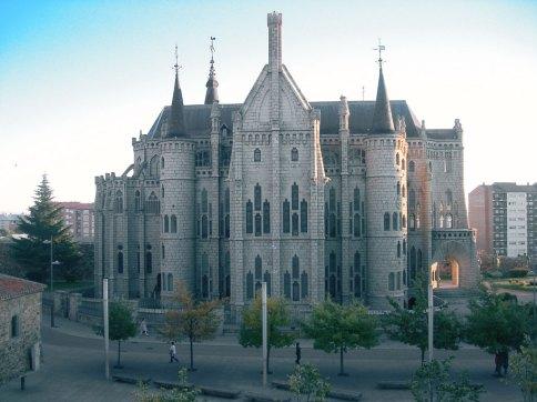 Camino de Santiago por la Maragatería: Palacio de Gaudí en Astorga
