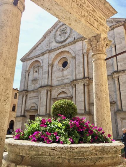 Los pueblos más bonitos de la Toscana-Duomo de Pienza