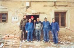 Pilgerherberge Tosantos waehrend der Renovation.
