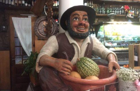 Endnu en figur fra restaurant i Barcelos