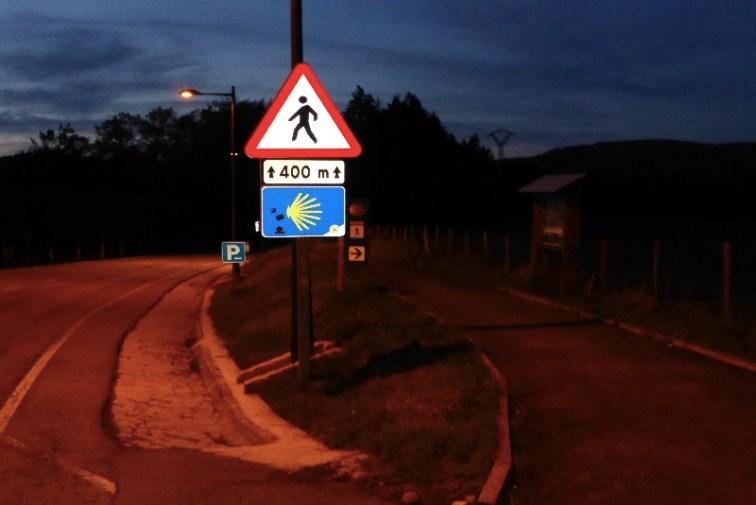 Dag 2- afgang fra Roncesvalles tidlig morgen - alene - og det var lidt skrækindjagende - husker min krop