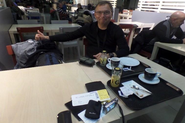 Dag 42 - så er det hjemad via Barcelona fra lufthavnen i Santiago de Compostela - sammen med Erwin