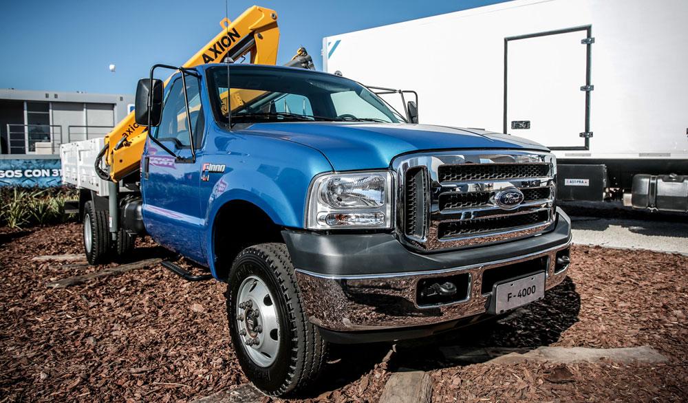 Ford presentó el nuevo motor Cummins en el Cargo 1731 6×2 Torqshift y en el 3131 6×4