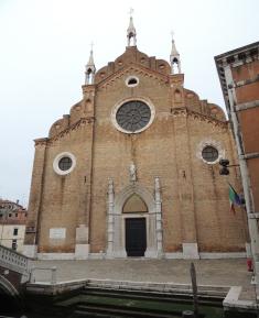 Chiesa di Santa Maria Gloriosa dei Frari 01  Cosa Vedere