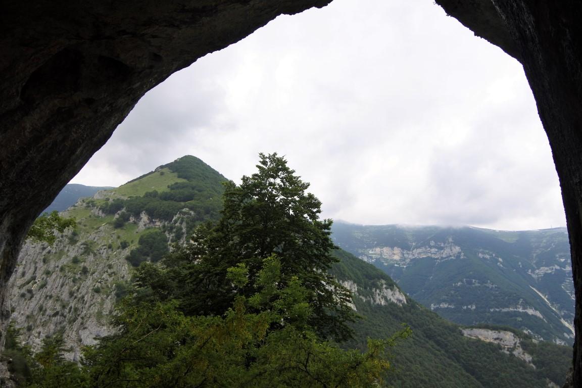 Una grotta misteriosa nelle viscere della montagna