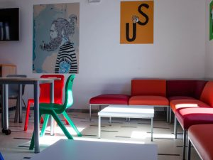 Lobby Collective Hostel - building & common rooms - Workspace 4