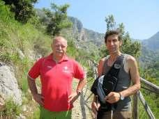 Angelo insieme a Max, primo pellegrino del Cammino di San Benedetto