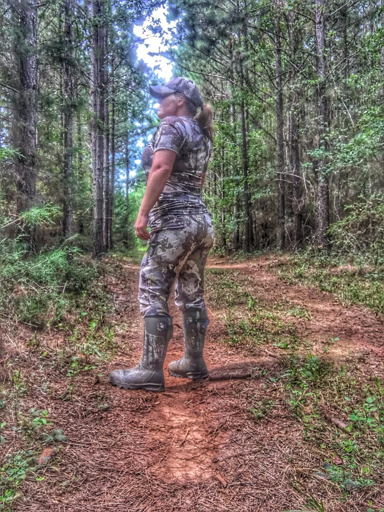 Womens hunting clothes for warm weather conditions