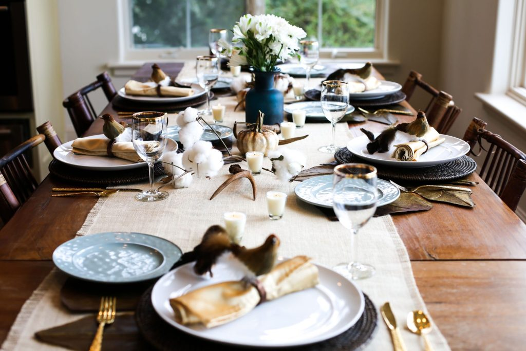pretty hunting table scape