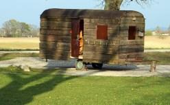 Caravan mit Holzverkleidung