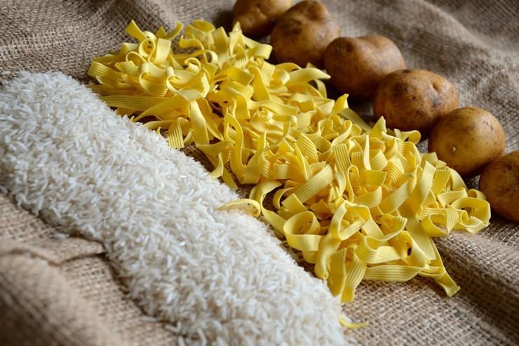 Wahre Allrounder in der Wohnmobilküche: Kartoffeln, Reis und Nudeln