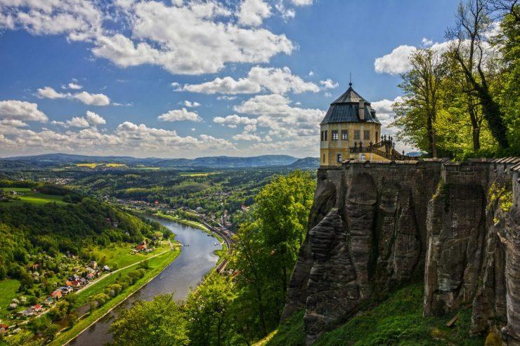 Festung Königsstein vor der Elbe.