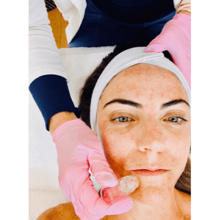 The Signature Magnum AquaGold Facial