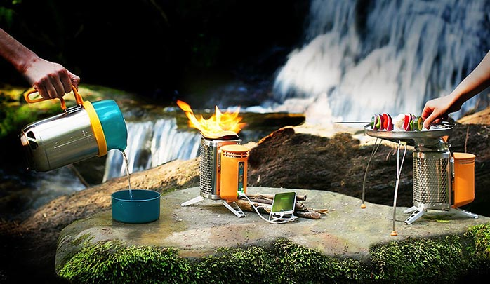 BioLite CampStove 2 Bundle with CampStove 2, Portable Grill and KettlePot Attachments and USB FlexLight