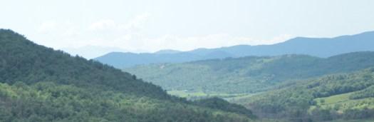 Eine Berglandschaft in Italien (Toscana).